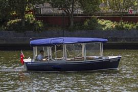 Hire a Luxury Eco Boat for 10 People, 2 Hours
